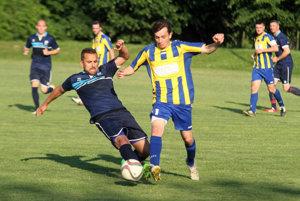 Futbalisti ViOn C/Volkovce v sobotu porazili Machulince a oslavovali triumf v VII. lige sk. C.