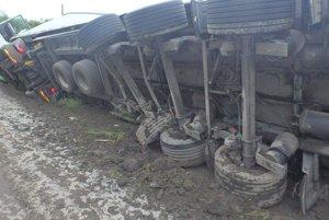 Hmotnú škodu predbežne vyčíslili na 46 200 €.