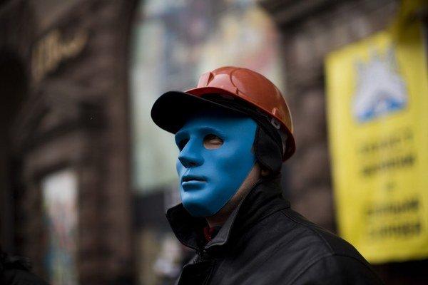 Ukrajinský demonštrant sa Moskve nepáči.
