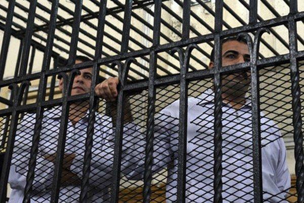 Dvaja egyptskí policajti dostali za smrť aktivistu desať rokov väzenia.