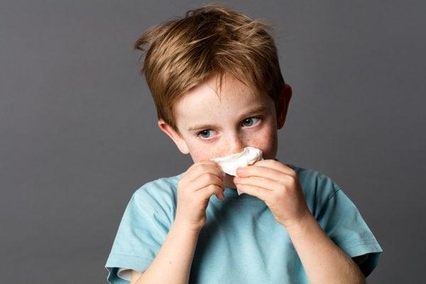 Krvácenie nosa sa sponánne objavuje u detí.