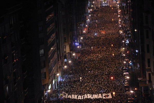 Demonštranti v Bilbau.