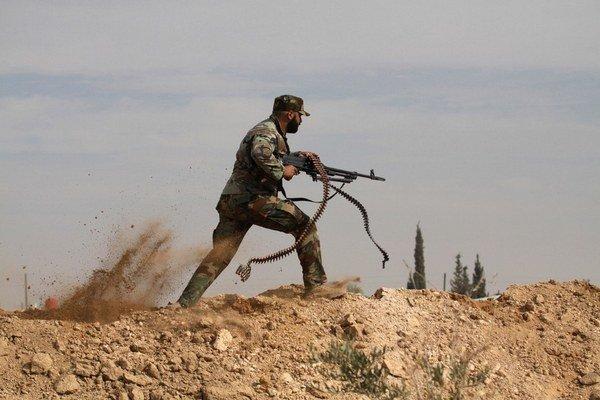 Droga je vraj populárna medzi rebelmi aj alavitmi.