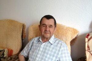 Karol Kőlbel. Maturoval v  '49. roku, potom to s kamarátom oslávili.