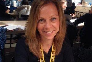 Evamaria Rönnegård je produktová dizajnová manažérka, ktorá od začiatku tohto roka vedie tím dizajnérov Ikea. Pracuje pre firmu dvadsať rokov. Začínala ako predavačka v Ikea obchode v Štokholme, neskôr ako produktová manažérka a developerka v Älmhulte na rôznych pozíciách. Rok strávila ako manažérka maloobchodu Ikea v Taliansku.