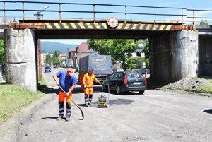Po ukončení prác prejde popod most aj štyri metre vysoký kamión.