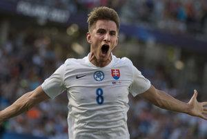 Na snímke gólová radosť Martin Chriena.