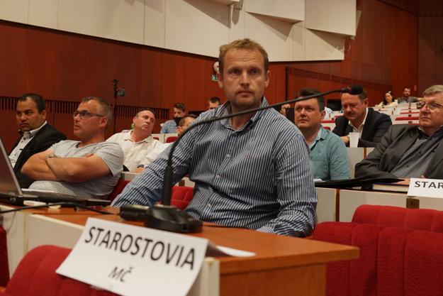 Starosta Lesňák. Prekvapil otvorenou kritikou Rašiho návrhu.