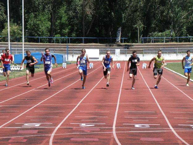Dobeh finále chlapcov na 60 metrov
