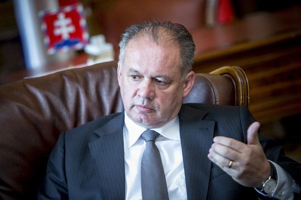 Prezident Andrej Kiska sa v rozhovore pre SME vyjadroval aj k streľbe policajtov na unikajúce auto.