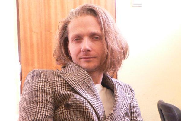 Miloš Kusenda uvedie svoju monodrámu v piatok večer v Hideparku.