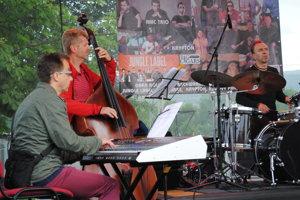 AMC Trio pri spoločnom koncerte s ĽH S. Baláža.