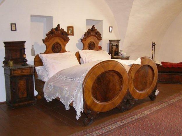 Ako vyzerala posteľ kedysi?