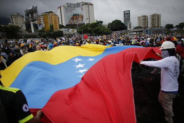 Sobotný protest v Caracase.