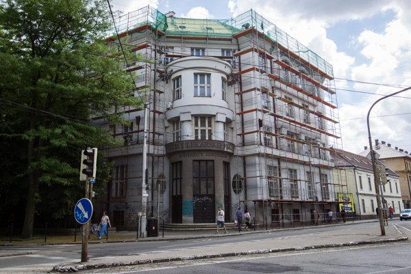Lekárska fakulta Univerzity Komenského v Bratislave.