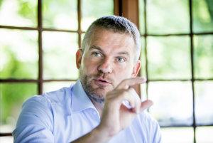 Podpredseda vlády pre investície a informatizáciu Peter Pellegrini (Smer).