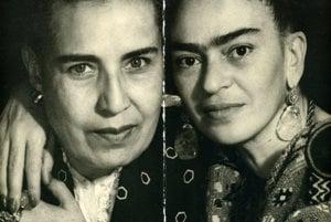 S matkou Matilde. Bola krajčírkou a Frida sa od nej všeličomu priučila.