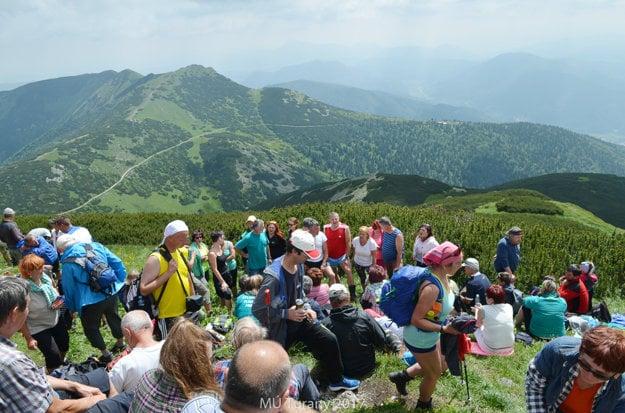 Turisti na vrchole Veľké fatranského Kriváňa.