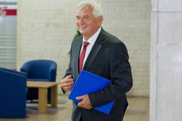 Ľubomír Jahnátek je najväčším favoritom na post šéfa ÚRSO.