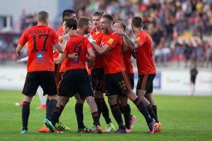Na snímke hráči Ružomberka sa radujú po góle v odvetnom zápase 2. predkola Európskej ligy.