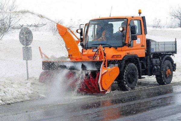 V Prievidzi sa už o zimnú údržbu budú starať technické služby mesta.