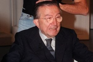 Andreotti bol v talianskej politike od obdobia po druhej svetovej vojne.