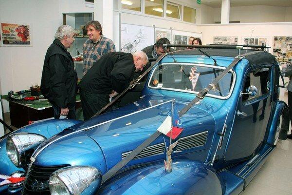 Pozornosť návštevníkov najviac púta vystavená Aerovka.