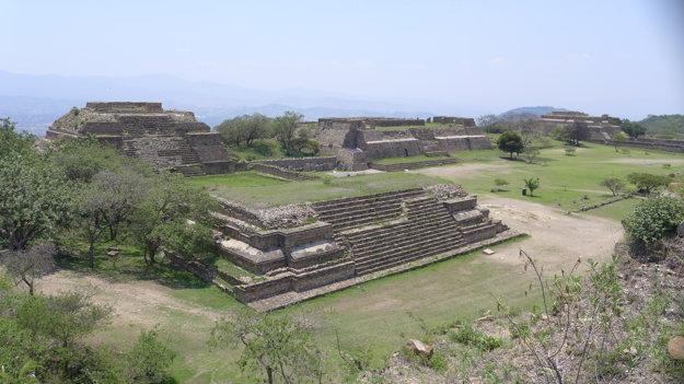 Monte Albán bol významným centrom ríše Zapotecov až po tisíc rokov.