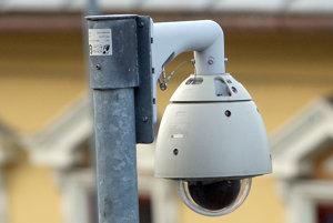 Kamery monitorujú už aj oravskopolhorskú školu.