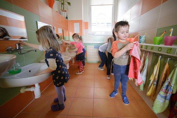 Ani tento rok v Bratislave nevzali do školok všetky deti, ktoré sa hlásili.