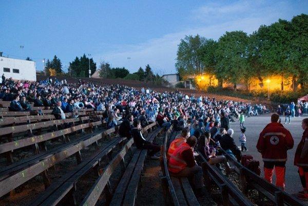 Na amfiteátri v stredisku Hôrka o 21.15 hod. premietnu thriller Hra o všetko.