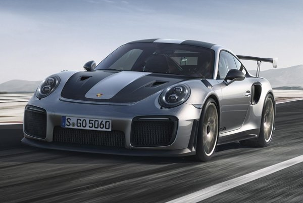 Porsche 911 GT2 RS malo premiéru v Goodwoode. Model GT2 RS so šesťvalcom s maximálnym výkonom 515 kW je najvýkonnejšia deväťstojedenástka všetkých čias.