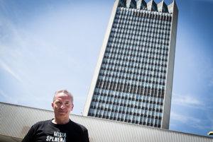 Václav Mika odchádza z RTVS spokojný.