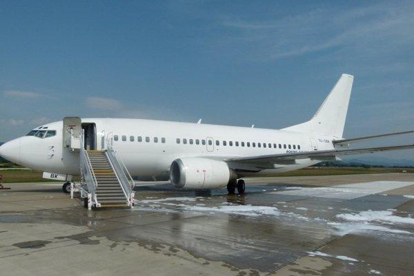 Egyptské lietadlo po pristátí.