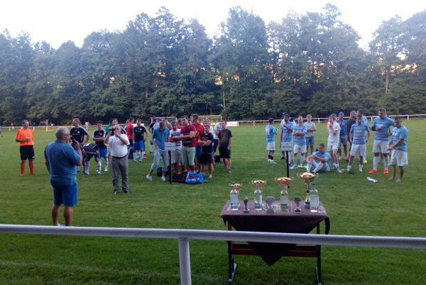 Turnaj v Brestovci vyhrali domáci futbalisti.