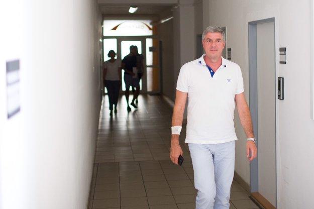 Béla Bugár prichádza na rokovanie predsedníctva Mosta-Híd.
