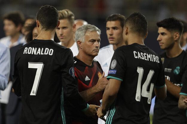 Real Madrid je len jeden. Mourinho je rád, že nehrá v Premier League.