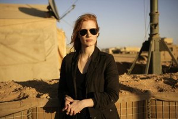 Americký film Zero Dark Thirty o chytení Usámu bin Ládina vznikol za spolupráce so zdrojmi z prostredia CIA. Kritikom prekáža, že vykreslil americké mučenie.