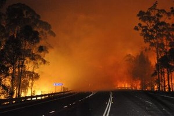 Požiar neďaleko Deans Gap.