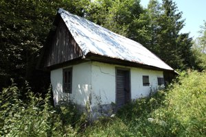 Prvá sauna na Slovensku stále stojí. Šanca na jej záchranu ešte žije, hoci stavba je staticky narušená.