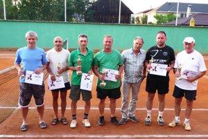 Víťazi tenisového turnaja na Zamagurí.