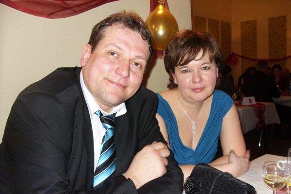Manželia Hamadovci. Martin je prezident štvrtoligového klubu, Mariana je jeho pravá aj ľavá ruka zároveň.