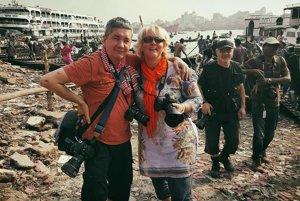 Ján Šranko v Bangladéši s fotografkou z Francúzska.