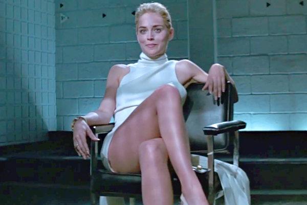 Sharon Stone vo filme Základný inštinkt.
