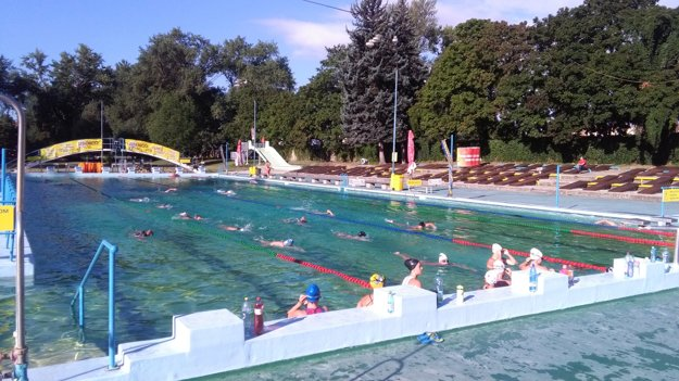 Minulý týždeň trénovali na Eve vodnopólové reprezentantky do 17 rokov.