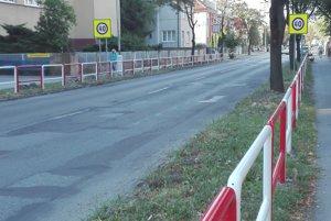 Kolízne miesto na Mudroňovej ulici dnes.