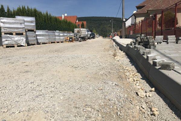 Rekonštrukcia Jahodovej ulice.