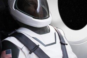 Oblek nie je v skutočnom slova zmysle skafander. Bude sa používať pri lete do vesmíru a pri ceste späť na Zem v kozmických lodiach Dragon.