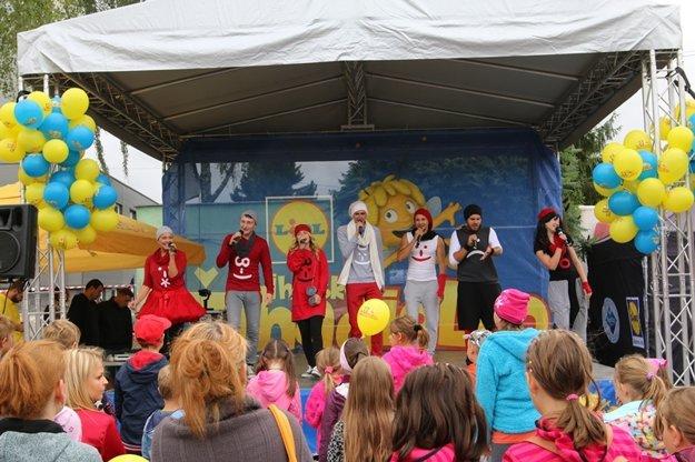 Deti potešili svojim vystúpením Trpaslíci z RTVS.