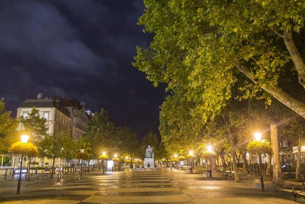 Nový prevádzkovateľ mestského osvetlenia musí dať do všetkých 47 475 svietidiel LED technológiu.